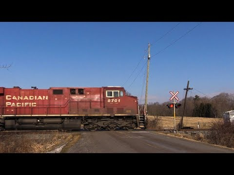 CP 8701 at Newtonville (28JAN2018)