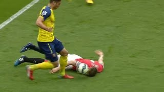 Incredible Head Tackle From Phil Jones!