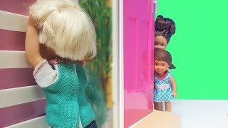 Barbie ve Ailesi Bölüm 103 - Melis Dolapta Kilitli Kalıyor - Çizgi film Barbie oyunları ve filmleri