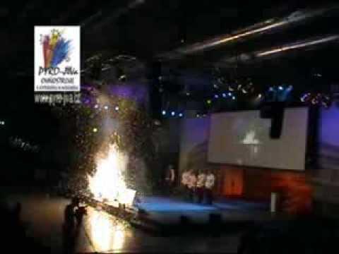 Velký interiérový ohňostroj  od Pyro-jiva-pohled z boku r.2008