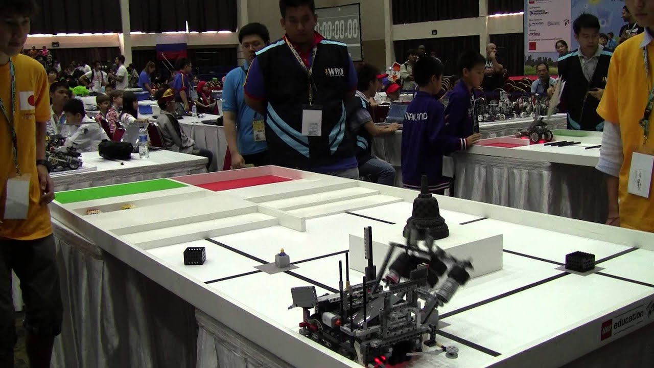 Robotics X Wro 2013 Indonesia In The Final Round 1 Youtube