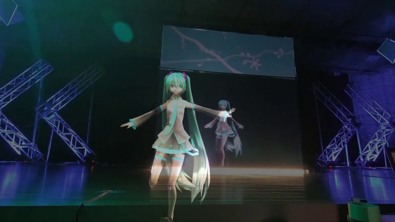 バーチャルキャラクターを用いたリアル型ライブの演出例