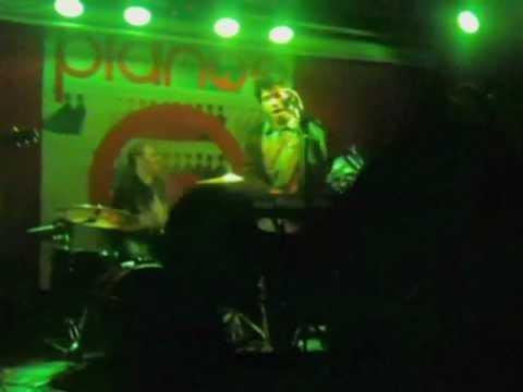 BRAIN TAN - Pallin' Around (Live at Pianos)