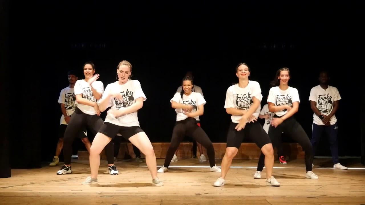 Ragga DanceHall avec Naomi   Funky Feet Academy