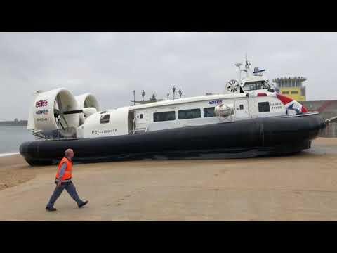 Island Flyer Landing in Southsea