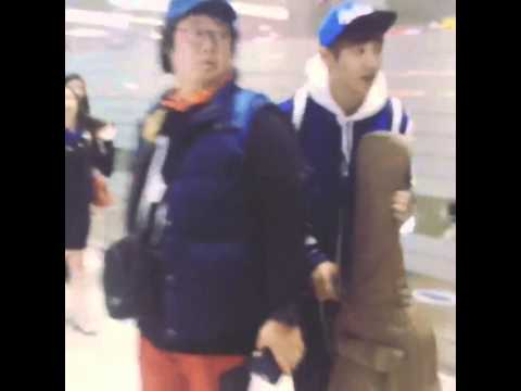 131029 Laws of Jungle recording - Chanyeol met his friend at airport