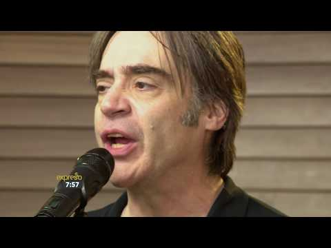 Crash Test Dummies performs