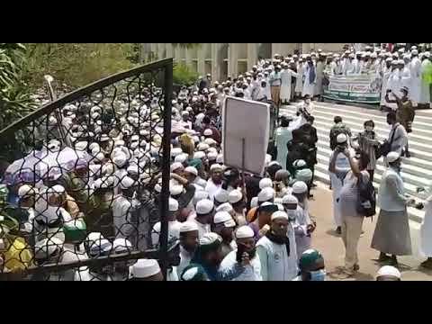 রাজধানীতে মসজিদে মসজিদে ঈদ জামাত, মুসল্লিদের উপচেপড়া ভিড়