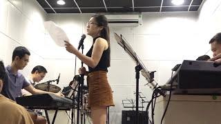 Hương Tràm live phòng tập The voice kids  Em gái mưa - Mẹ Hãy Tin Con - MR.Siro