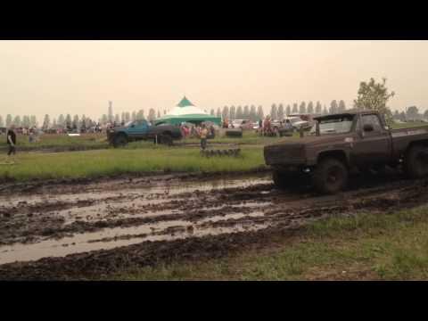 K10 vs F150 at Kamsack mud bog
