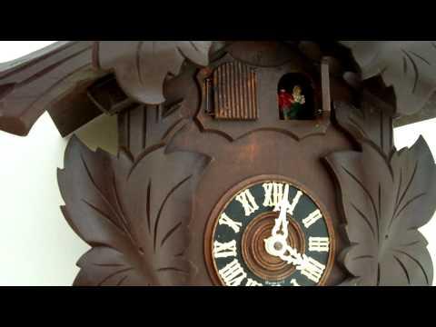 2 DOOR MUSICAL CUCKOO CLOCK