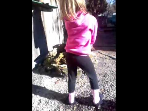 Petite manouche qui danse youtube - Petite souris qui danse ...