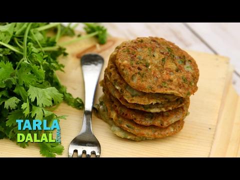 आलू बाजरा पैनकेक (Potato Bajra Pancake) by Tarla Dalal