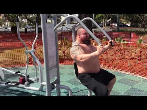 Strongmen go for walk and a laugh - Melbourne, Arnold Expo 2015