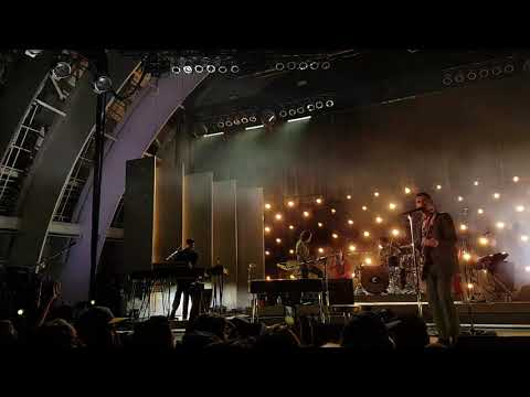 Arctic Monkeys - I Bet You Look Good On The Dancefloor At The Hollywood Bowl