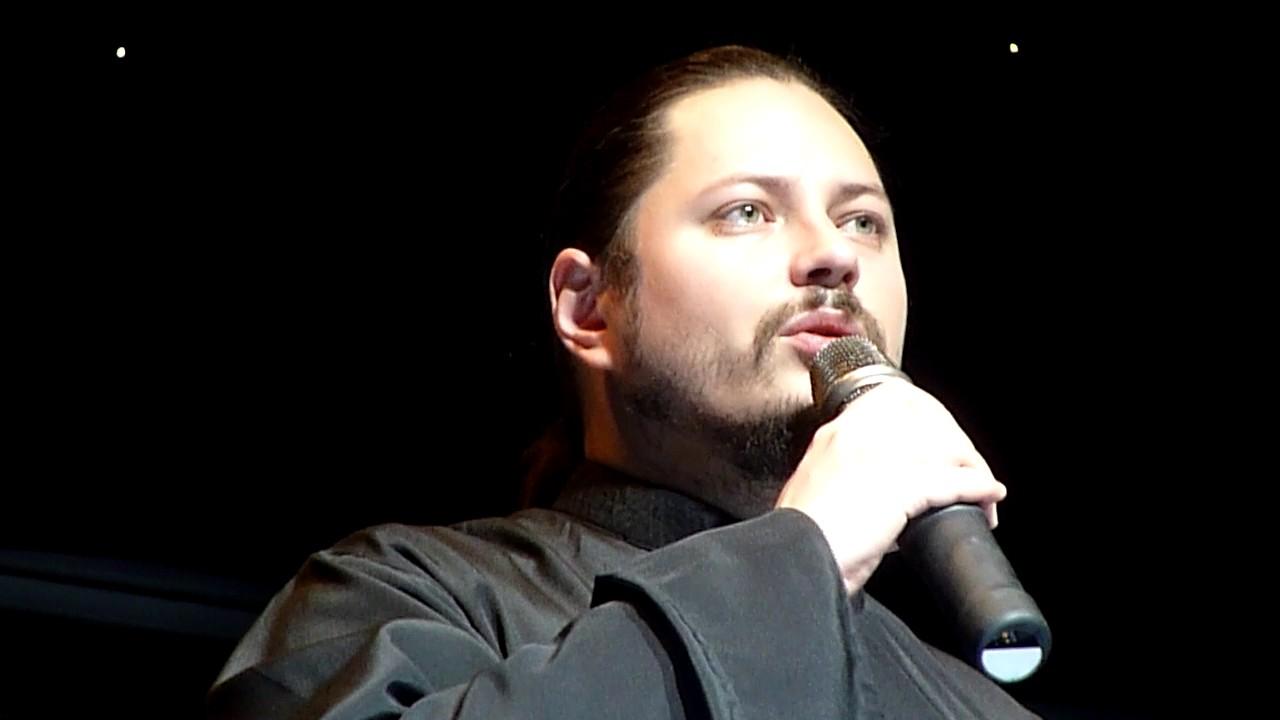 Ռուսական «Ձայնի» հաղթող քահանա Ֆոտիյը Կոմիտասի «Կռունկն» է կատարել.Տեսանյութ