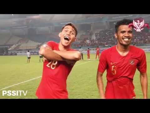 Menang 3-0 atas Myanmar, Timnas Indonesia Nyanyikan Lagu Nasional bersama Domy Stupa