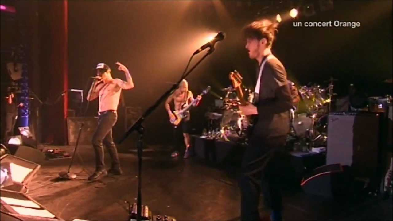 Red Hot Chili Peppers - Dani California - Live at La Cigale 2011 [HD]