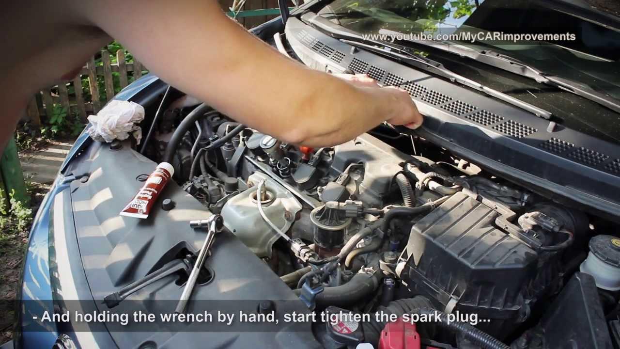 Замена свечей зажигания Civic 4D и самодельный динамометрический ключ (eng subtitles)