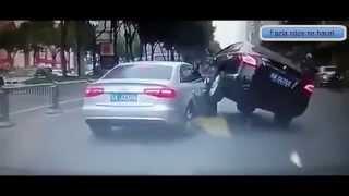 trafikte garip bir kavga