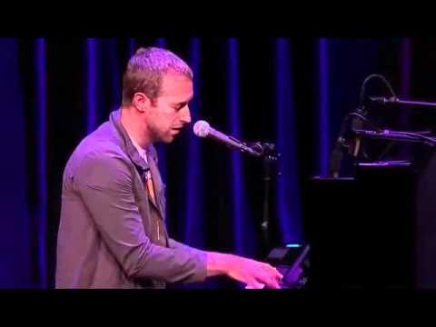 Coldplay - Yellow live HD (live at  Apple Keynote)
