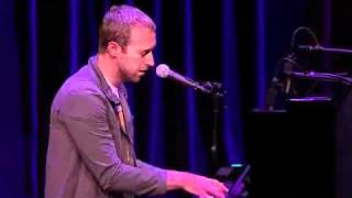 Coldplay - Yellow live HD (live at  Apple Keynote)