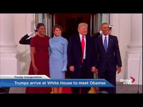 Стало известно, что Мелания Трамп на самом деле подарила Мишель Обаме в синей коробочке