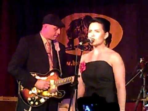 Maibell With Deke Dickerson At ROCKABILLY RAVE 2010
