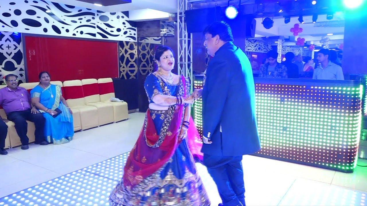 25th Wedding Anniversary Couple Dance