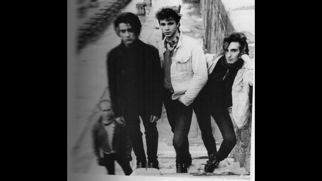 Noir Desir - Toujours etre ailleurs (Rex Club Paris 1988= - YouTube