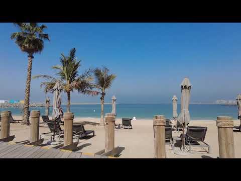 LA MER Beach Jumeirah Dubai 2021 morning walk..