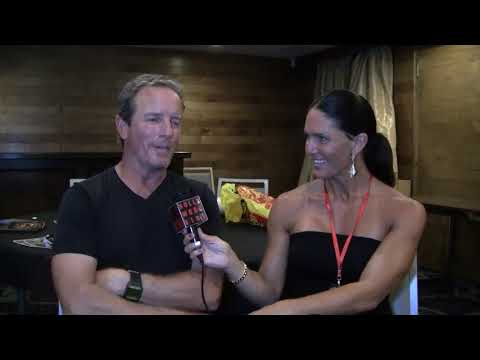Traci Lynn Cowan with Linden Ashby at Mortal Kombat Reunion.