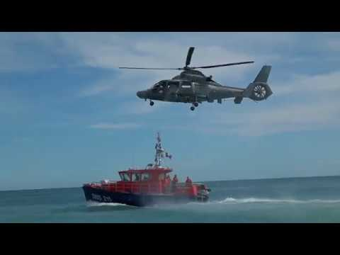 SNSM Sea Rescue demo at Nice Promenade des Anglais