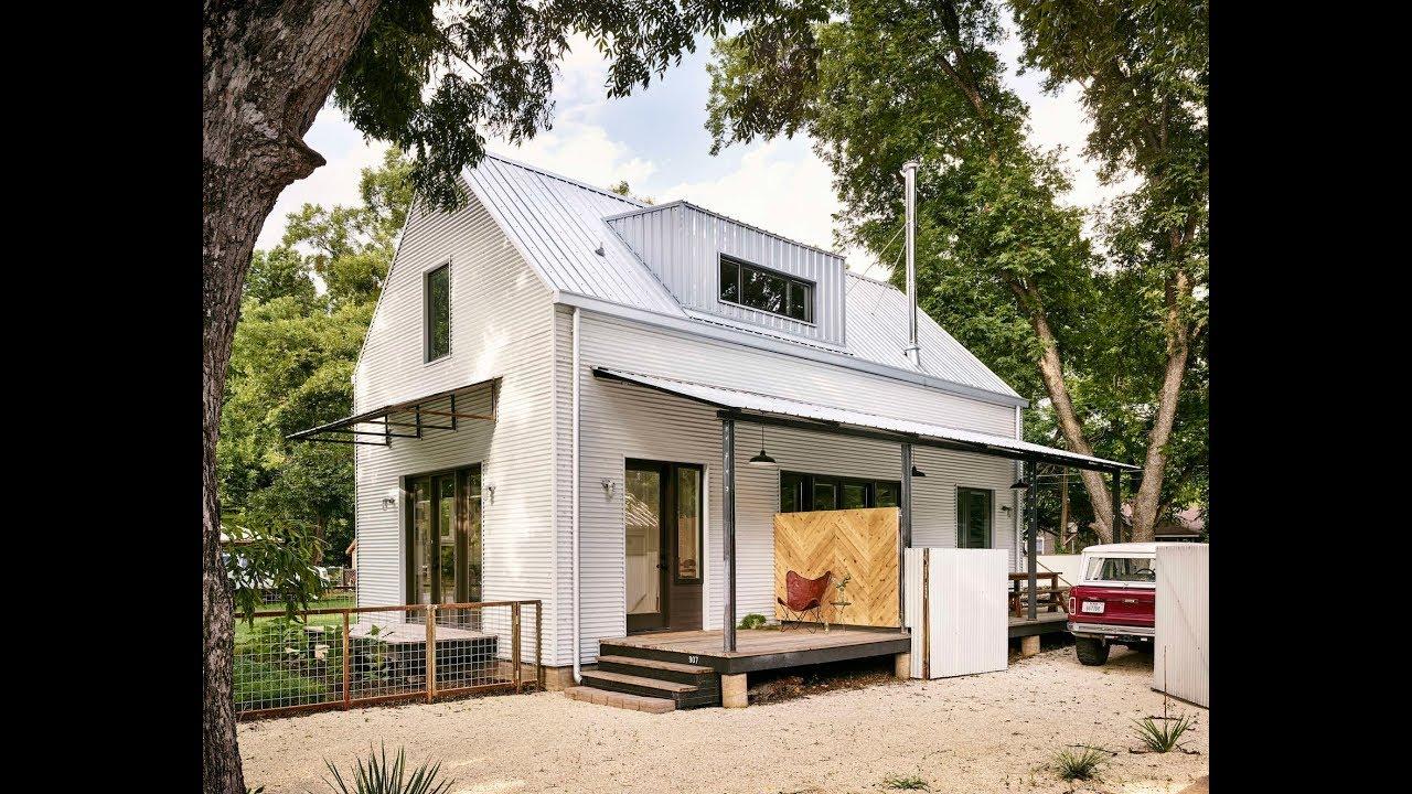 Modern Farmhouse House Design Idea With Energy-efficient
