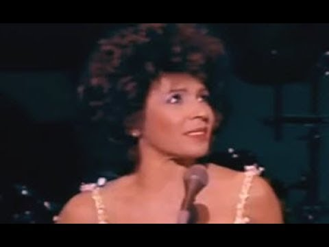 Shirley Bassey - I Only Have Eyes For You (1985 Cardiff Wales Concert)
