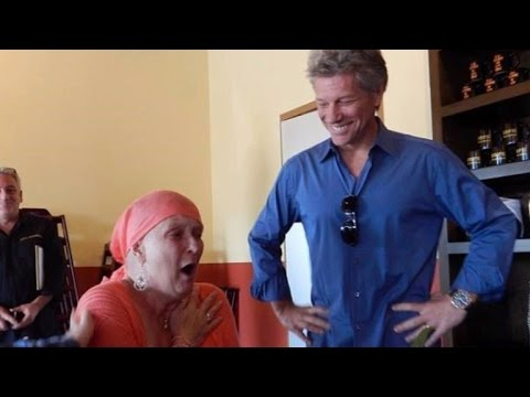 Jon Bon Jovi Gives Surprise Concert For Fan with Lung Cancer at His Restaurant