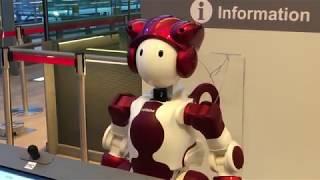 【JR山手線新駅のA.I.の現状】高輪ゲートウェイ駅のAI案内ロボットたち~まだまだディープラーニング中?AI Robot speaking at new train station in Japan