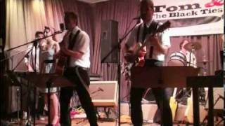 Download Tom and The Black Ties - Rockn Roll 50s 60s Boogie Live MP3 song and Music Video