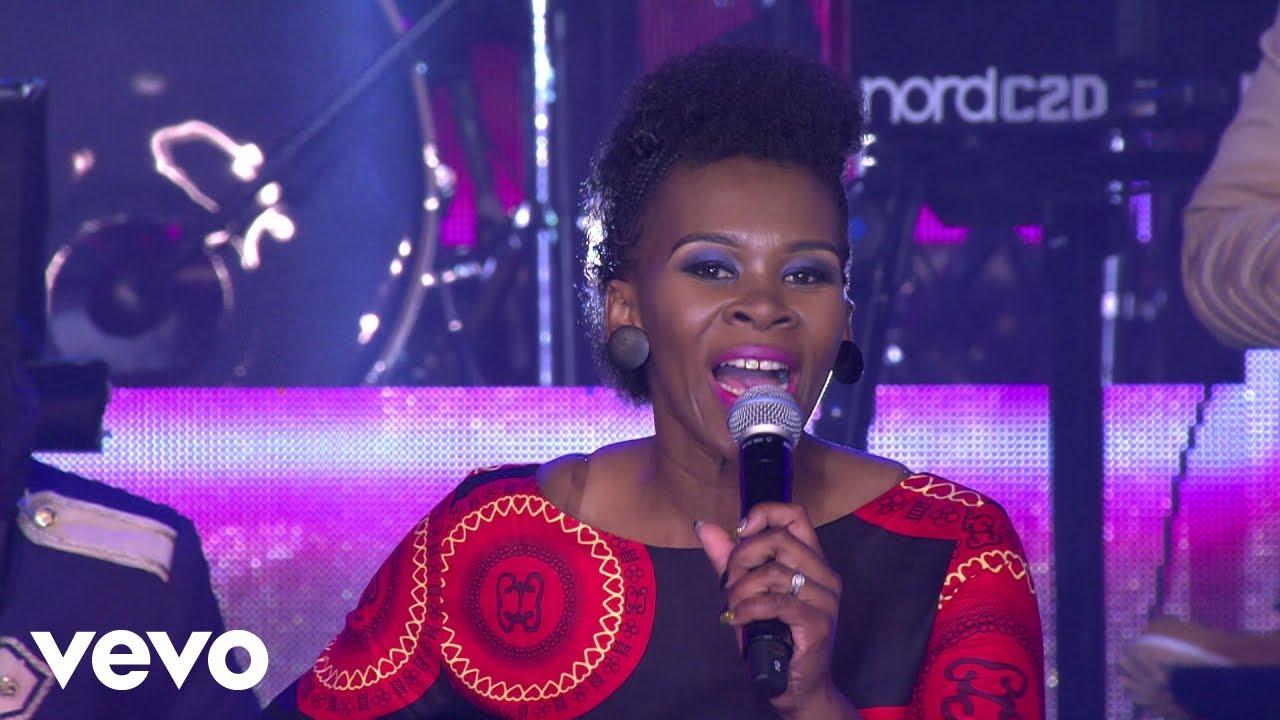 Ngiyavuma (I Accept) Lyrics by Kholiwe (Joyous Celebration Choir 22