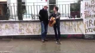 Chris Evans and Kelly Jones surprise drivers by busking
