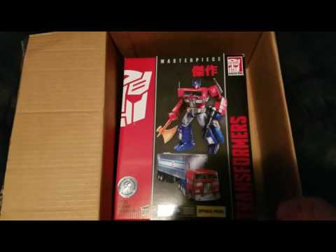 Unboxing: 2017 Toys R Us Transformers MP-10 Masterpiece Optimus Prime