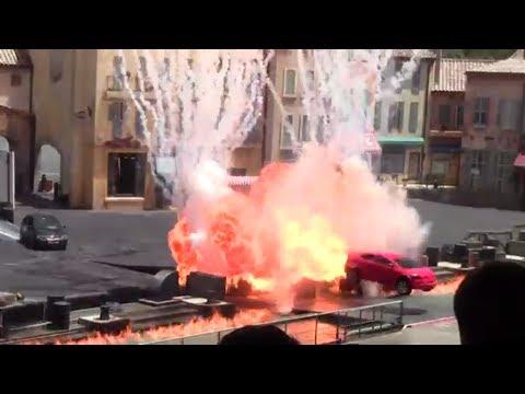 Lights! Motors! Action! Extreme Stunt Show + Crash!