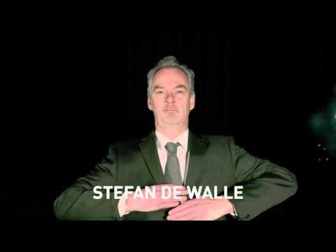 Ste de Walle als uitgerangeerde anchorman in De Zender