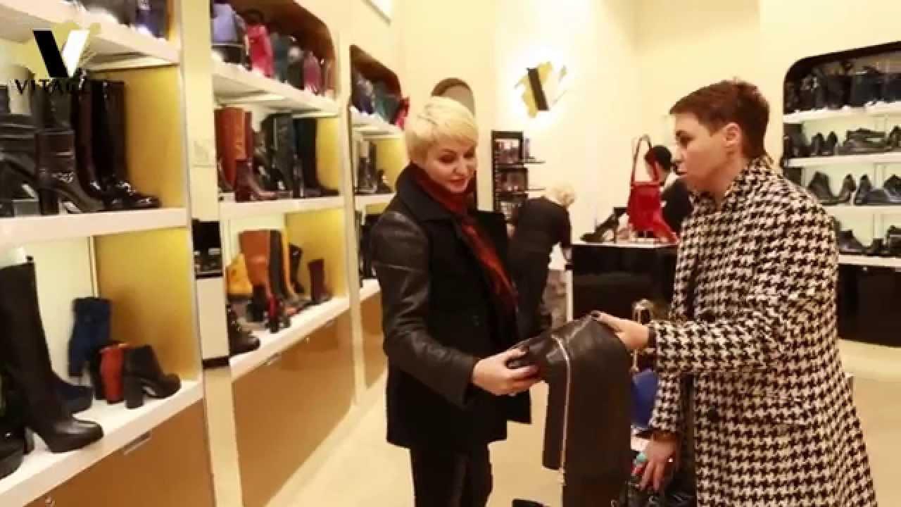 Катя Лель в салоне обуви Vitacci,