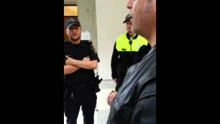 JDL discussion with UofT campus police,  who decid