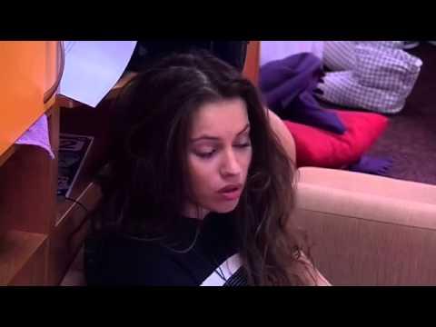 Александра Артемова, Виктория Берникова ДОМ2 в легендарных педикюрных носочках SOSU (26.02.2015)