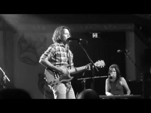Bernard Fanning - Tell Me How It Ends - 22-02-2017