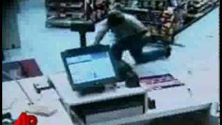 Old Guy Smashes Beer Bottle On Robber