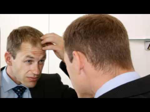 Por los manojos caen los cabellos los medios públicos