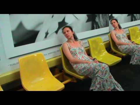 Oorphane Contemporary Dance Theatre - Adieu Paris - Julie Bienert
